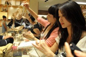 chinese-shoppers